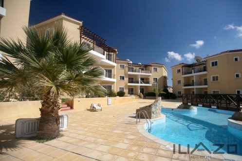 Sirena-Olympia-2-bedroom-apartment-pool-terrace[2]